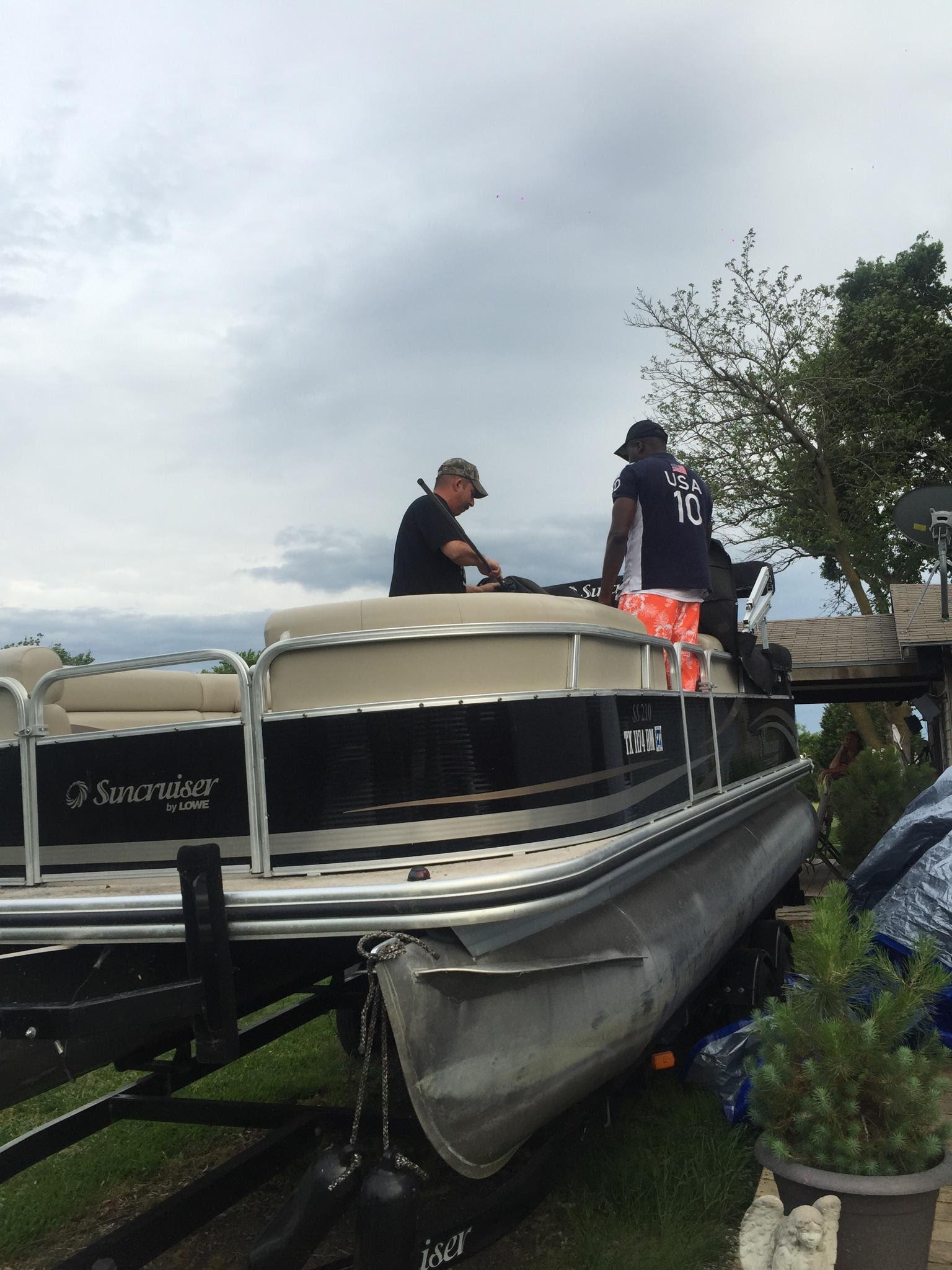 Dallas Boat Pontoon Rental Lowe SS210 - All Star Jetski Rental